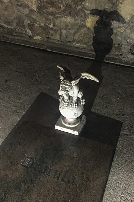 draculas-grave-in-buda-labyrinth-budapest-hungary